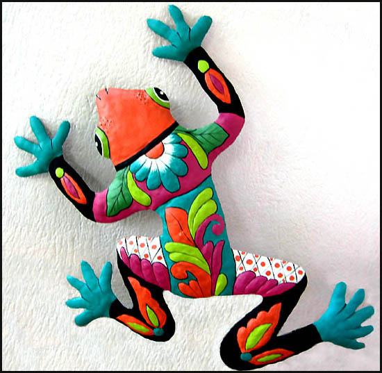 Hand painted metal frog wall hanging - Outdoor garden decor