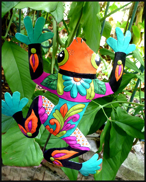 Garden decor - Painted metal frog plant stake