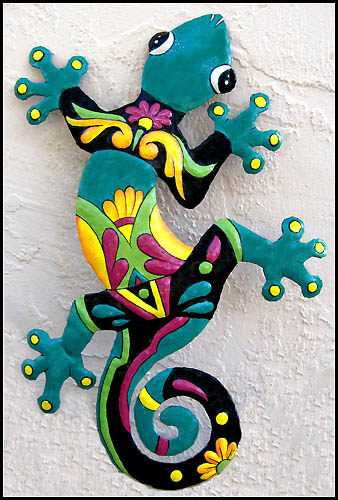 Hand painted metal gecko wall hanging - Tropical metal garden art - Handcrafted in Haiti from recycled steel drums