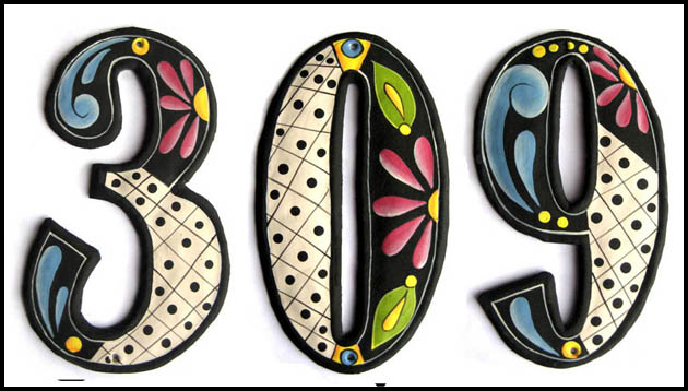 Hand painted house numbers at Tropic Decor