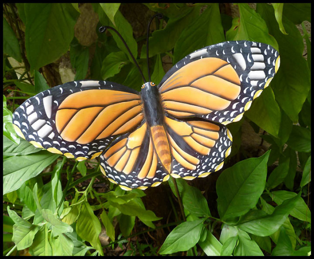 Monarch butterfly Garden Decor - Metal plant stake